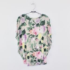 H&M Tops - H & M Women's Butterfly Sleeve Floral Top Small S